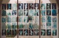 "globalfu4.jpg - ""Handy""  50  transparent C - Prints  29 x 21 cm, ""Global Fusion"" -  Palais Porcia, Bundeskanzleramt, Vienna 2002               Foto : Barbara Wolters - copyright"